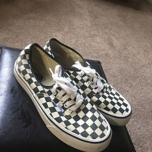 VANS checkered sneakers wmns 9.0